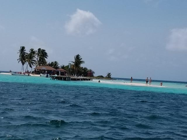 Belize Goff's Caye Island Getaway and Snorkel Cruise Excursion Beautiful waters