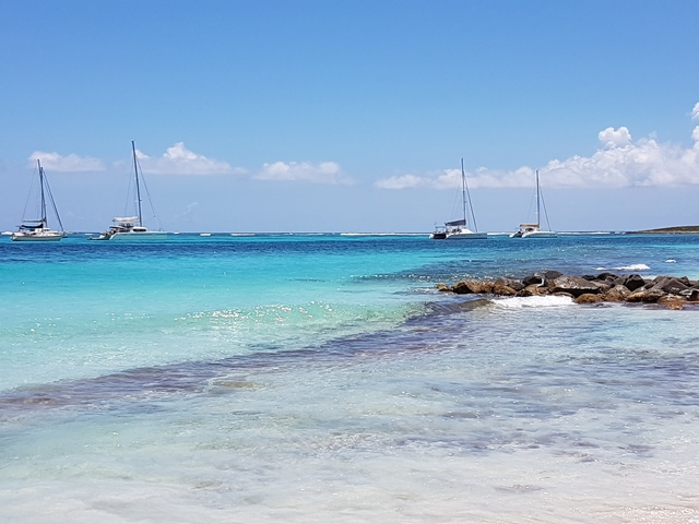 St. Maarten Highlights, Sightseeing, Beach and Shopping Excursion Satisfied customer