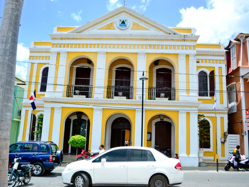 Amber Cove (Puerto Plata) Victorian Houses Cruise Excursion Reservations