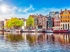 Amsterdam Hop On Hop Off Bus and Boat Sightseeing Combo Excursion