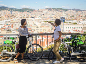 Barcelona Electric Bike, Montjuic Castle Cable Car, and Boat Sightseeing Excursion