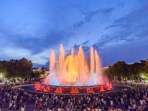 Barcelona Highlights and Magical Fountain Evening Excursion