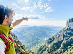 Barcelona Montserrat Monastery and Scenic Hiking Excursion