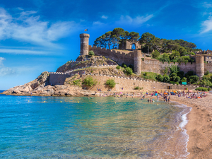 Barcelona to the Costa Brava Sightseeing Excursion
