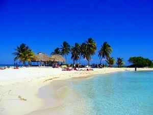 Belize Goff's Caye Island Getaway and Snorkel Cruise Excursion
