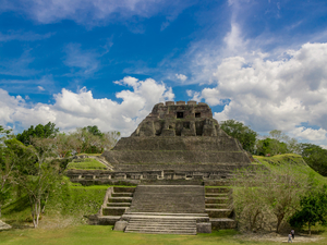 Belize Private Excursion of El Castillo at Xunantunich and Royal Chambers of Cahal Pech