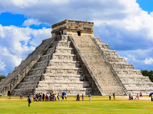 Chichen Itza Mayan Ruins and Lunch Excursion from Progreso