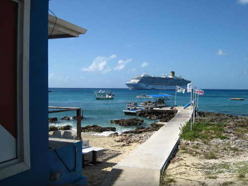 Grand Cayman  Grand Cayman (George Town) Discover SCUBA Dive Cruise Excursion Reservations