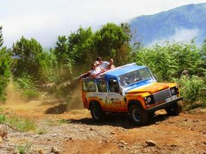 Funchal Country Delights and Santo da Serra Market 4X4 Off-road Excursion