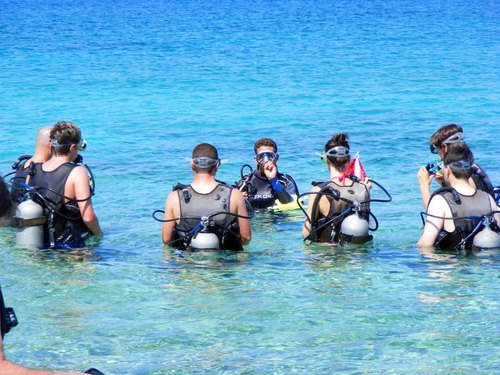 Grand Cayman Discover SCUBA Dive Excursion Reservations