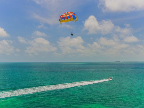 Key West Florida / USA Parasailing Tour Reservations