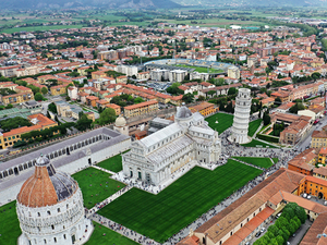 La Spezia Affordable Shuttle to Pisa and Lucca (guided walk option) Excursion