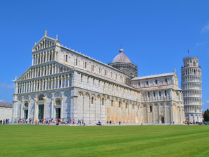 Livorno Affordable Shuttle to Pisa and Lucca Excursion