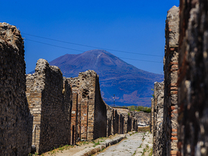 Naples Pompeii and Mount Vesuvius Hike with Lunch or Wine Tasting Excursion