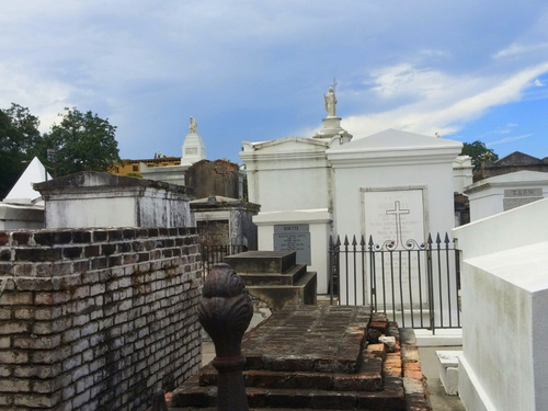 New Orleans  Louisiana / USA Marie Laveau tomb walking Excursion Prices
