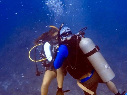 Roatan  Honduras Shipwreck Diving Trip Reservations