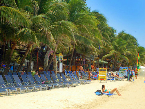 Roatan Honduras beach break Trip Booking