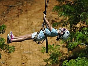 Roatan Pirates Extreme Jungle Zip Line Canopy and Reef Snorkel by Boat Excursion